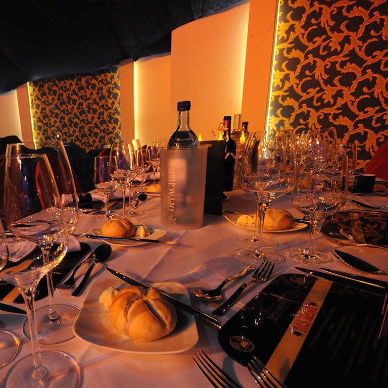SARRASANI_TROCADERO_DINNER-VARIETE-SHOW_LOCATION_2